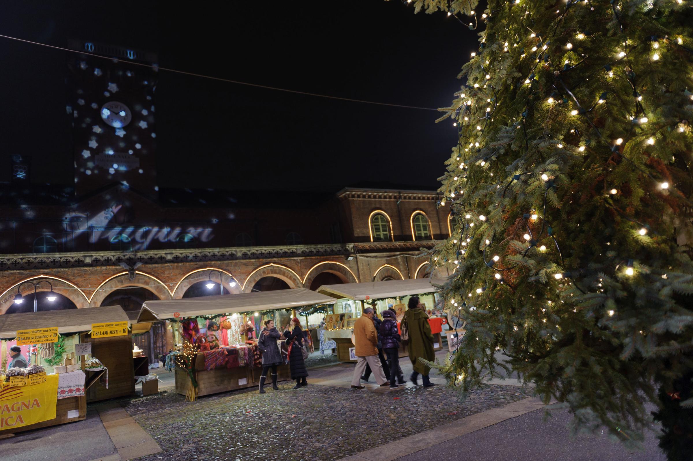 Immagini Di Torino A Natale.I Mercatini A Torino Un Natale Magico